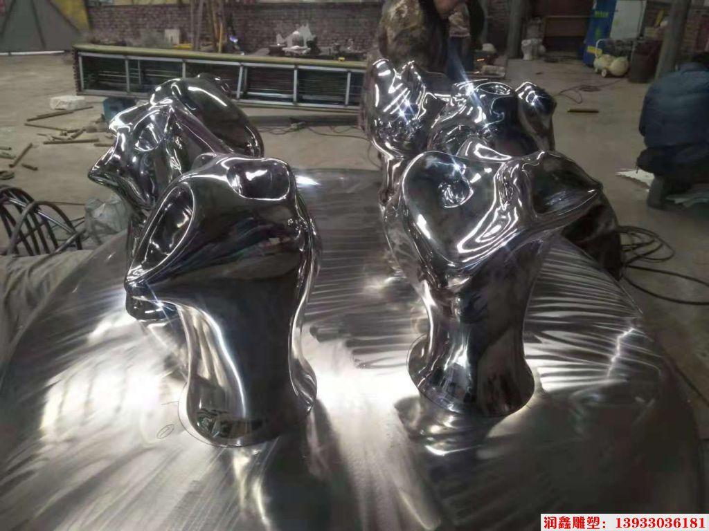 不锈钢抽象搞怪雕塑